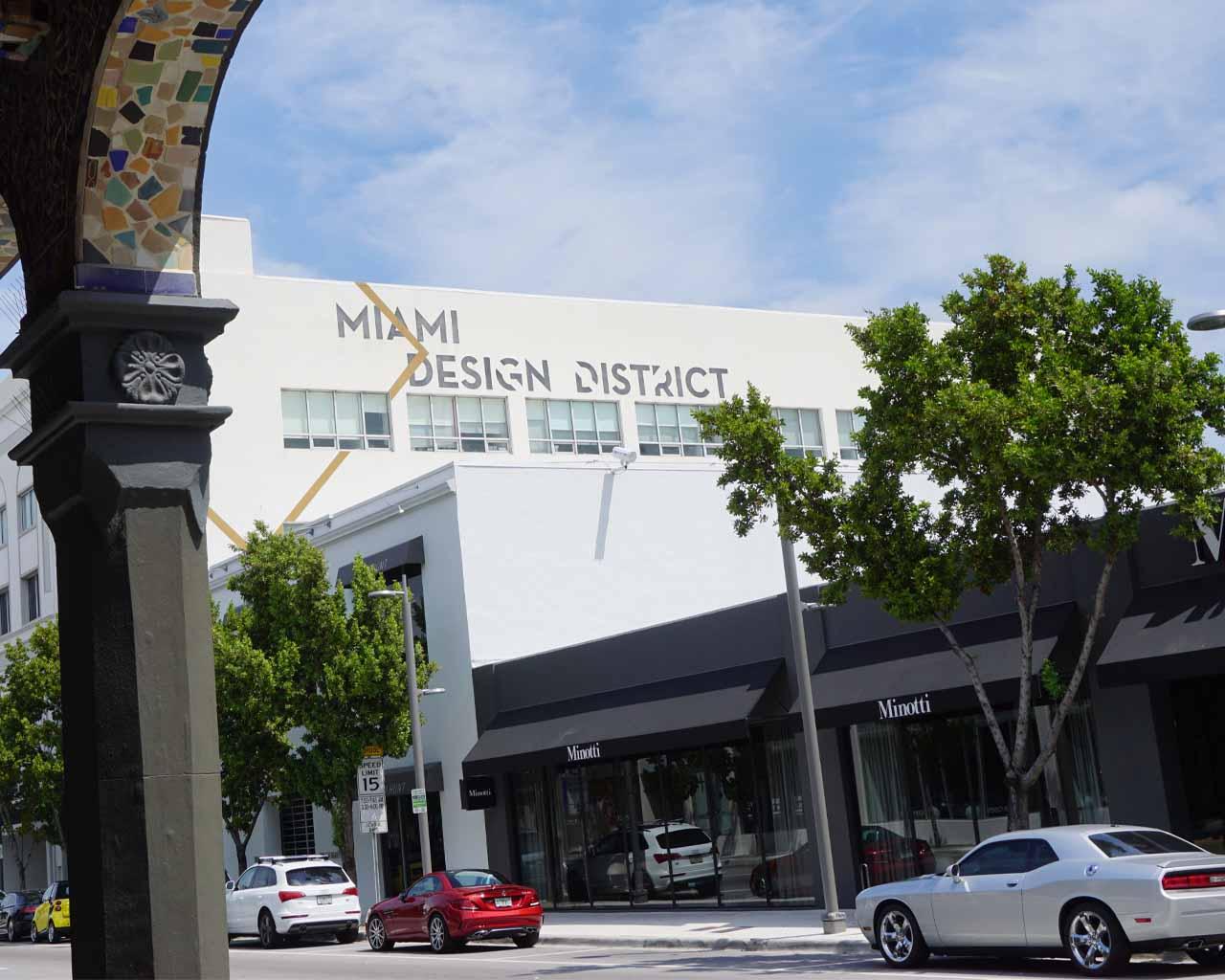 Unterwegs im Miami Design District ( 3841 NE 2nd Avenue, Miami, FL33137)