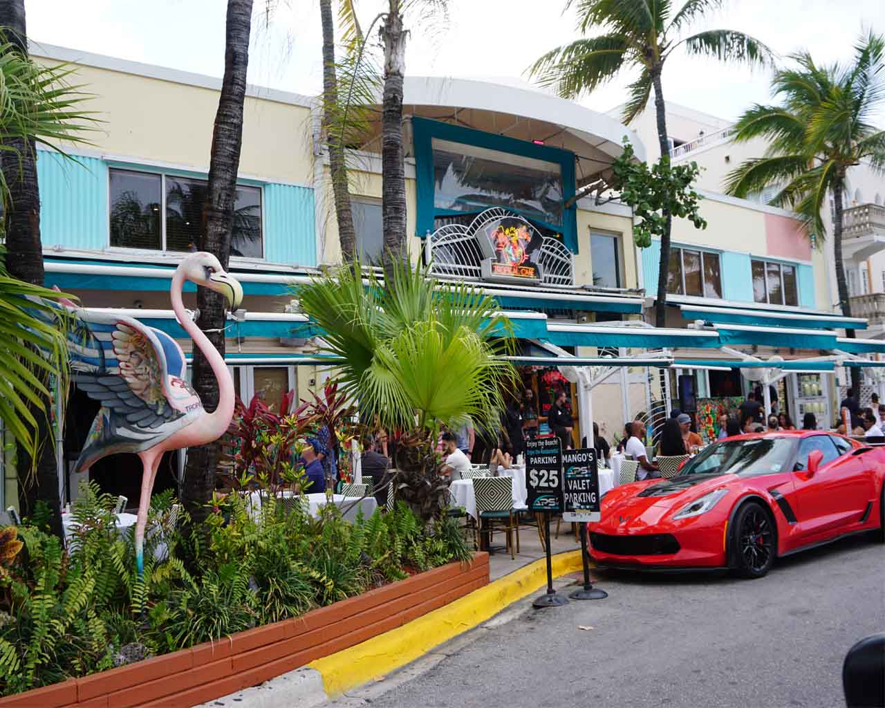 Sehr beliebt in Miami : der Ocean Drive in Miami Beach
