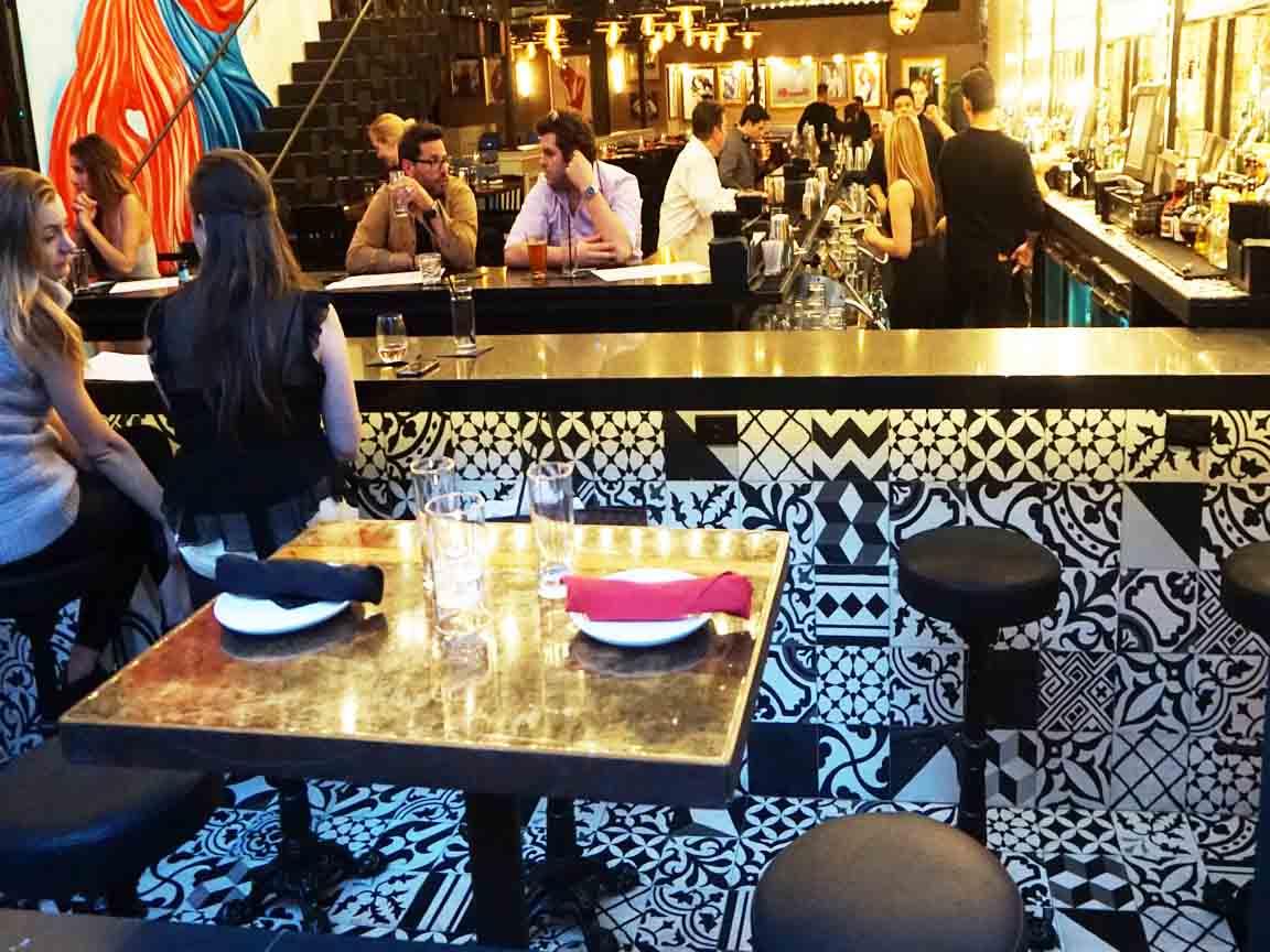Patchwork-Fliesen in einer Bar in Chicago-Downtown/USA