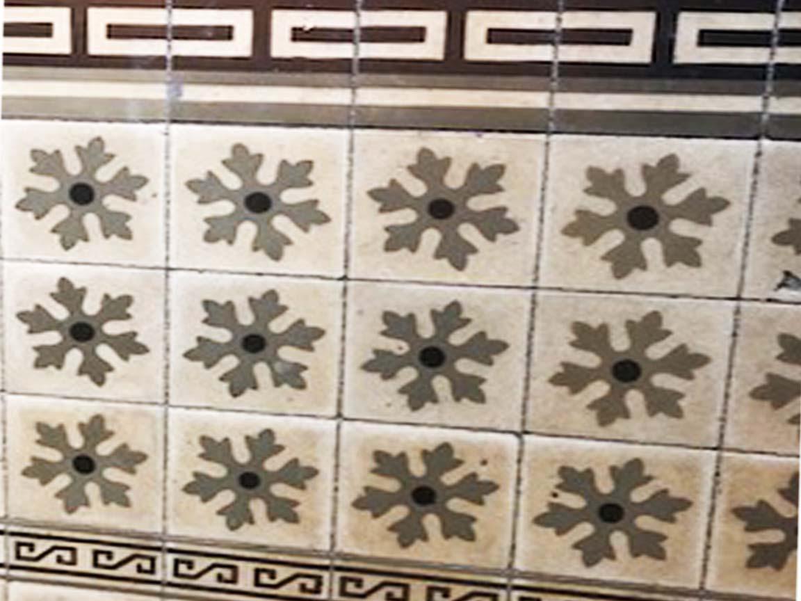 Wandfliesen in der Kathedrale