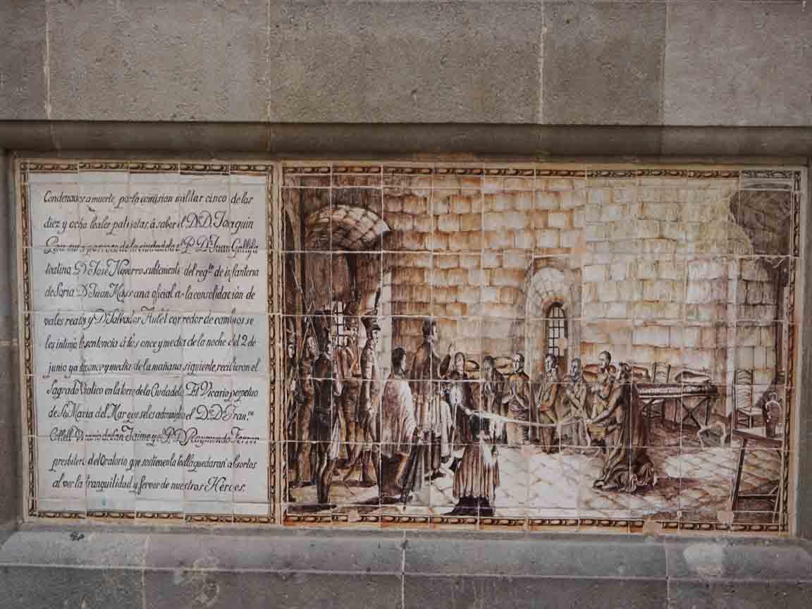 Historisches Fliesenbild in der Barri Gotic in Barcelona/Spanien