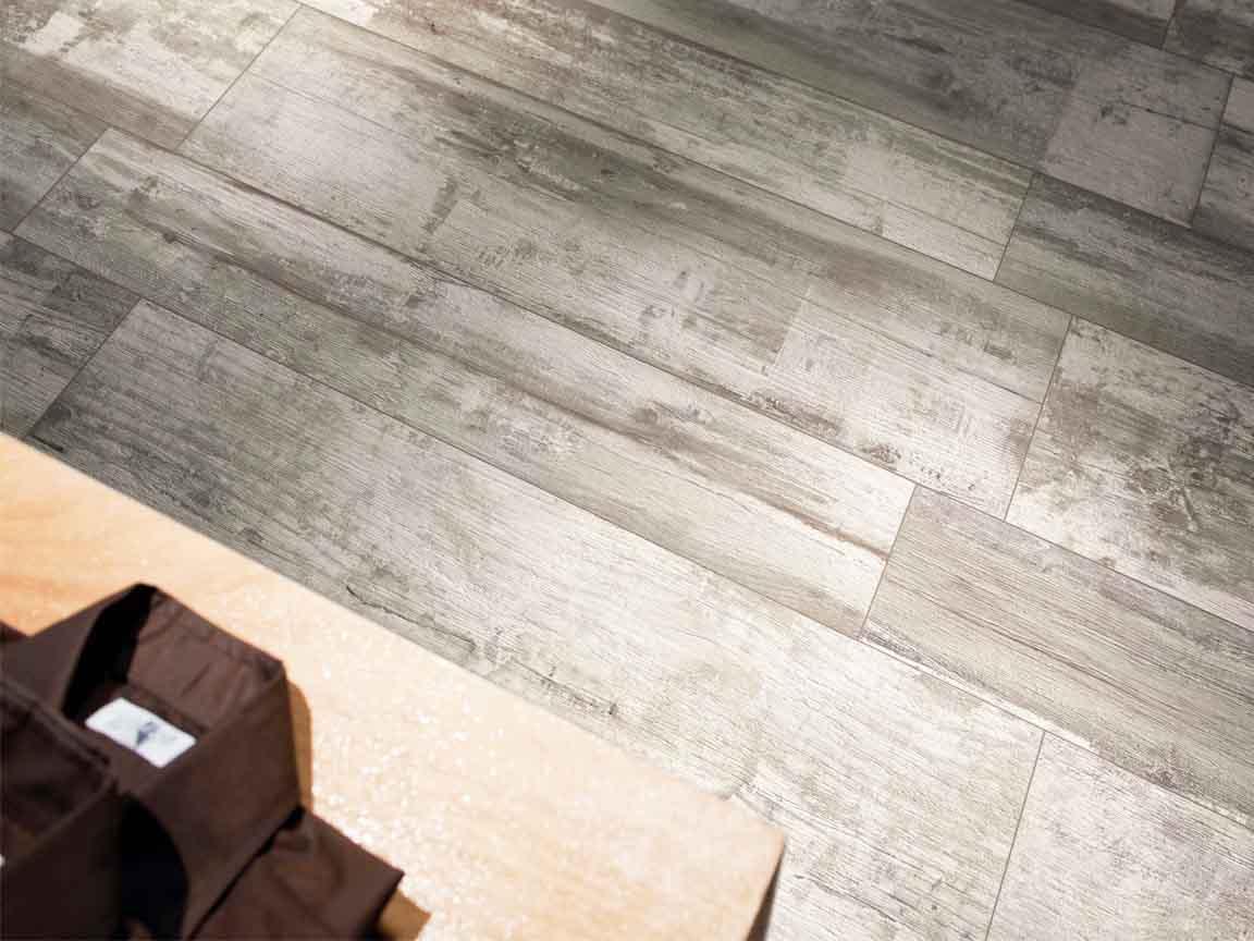 Holz-Optik-Fliesen im beliebten Factory Style