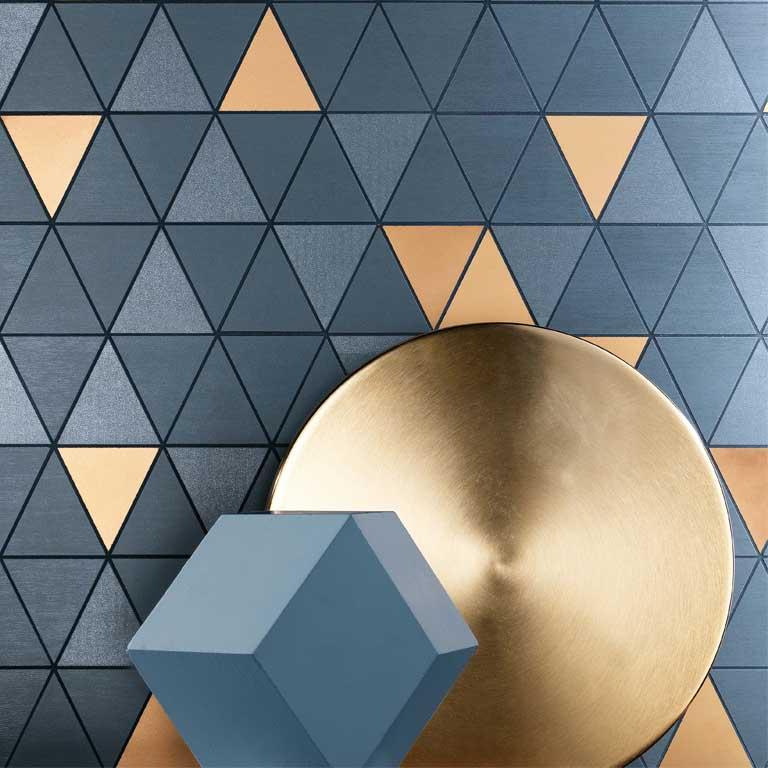 Voll im Trend : Dekore in einem blauen Farbton und mit Dreieck