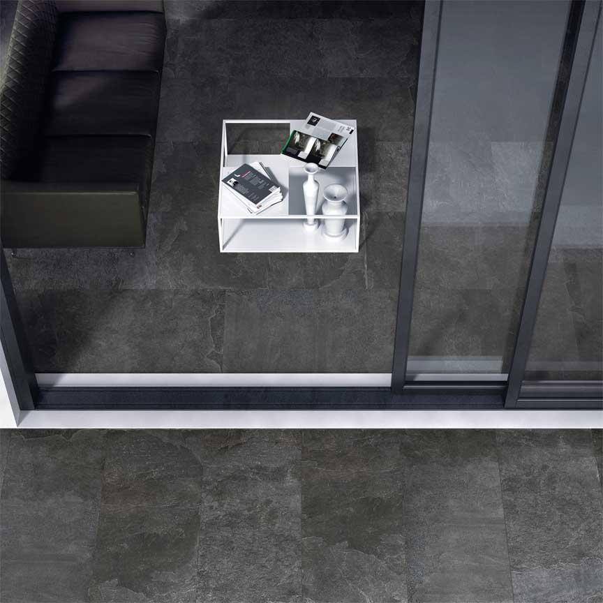 Bei uns finden Sie Outdoorplatten, die zu den Fliesen im Wohnraum passen