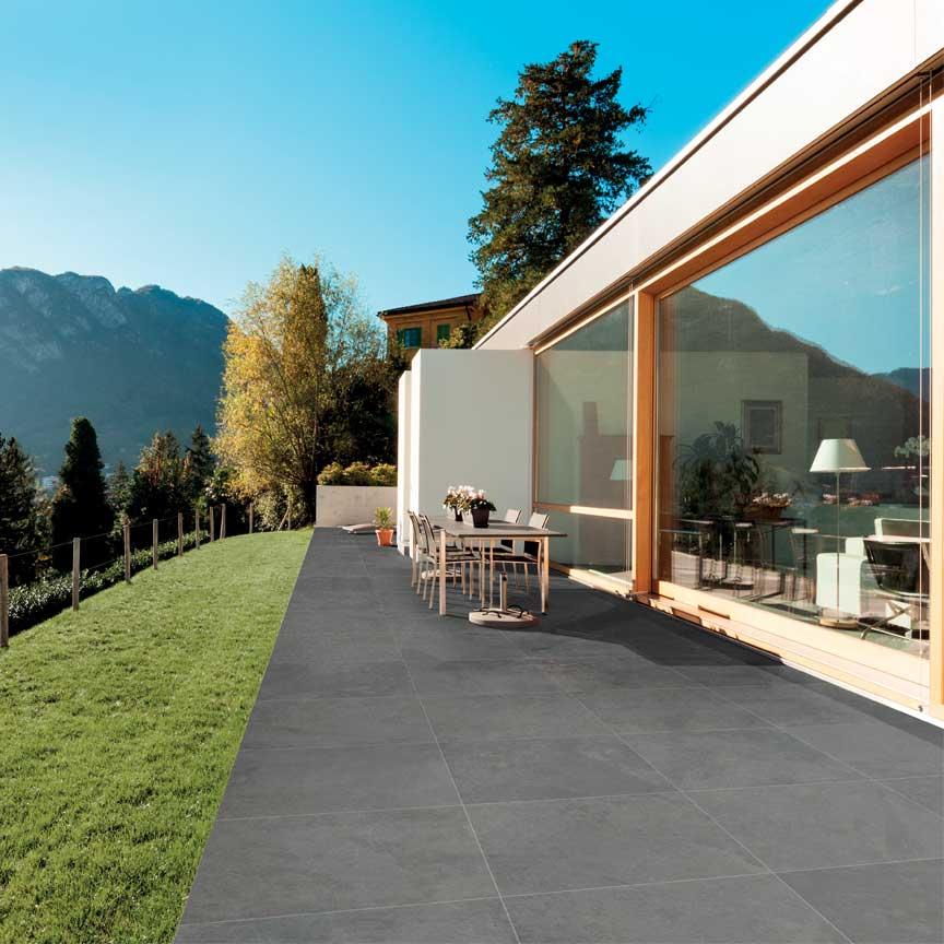 moderne Terrassenplatten im Überstärke im Format 80x80cm