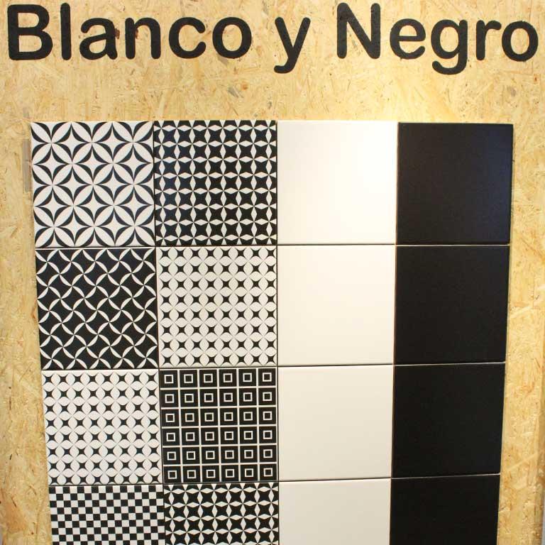 Patchwork Fliesen für den Boho Style. Hier ganz klassische : Wandfliesen im Format 20x20cm in schwarz und weiß.