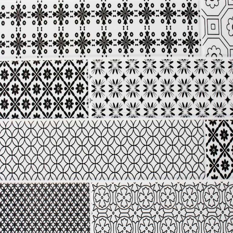 Ausschnitt einer Wandfliese im Format 30x60cm mit Patchwork-Muster