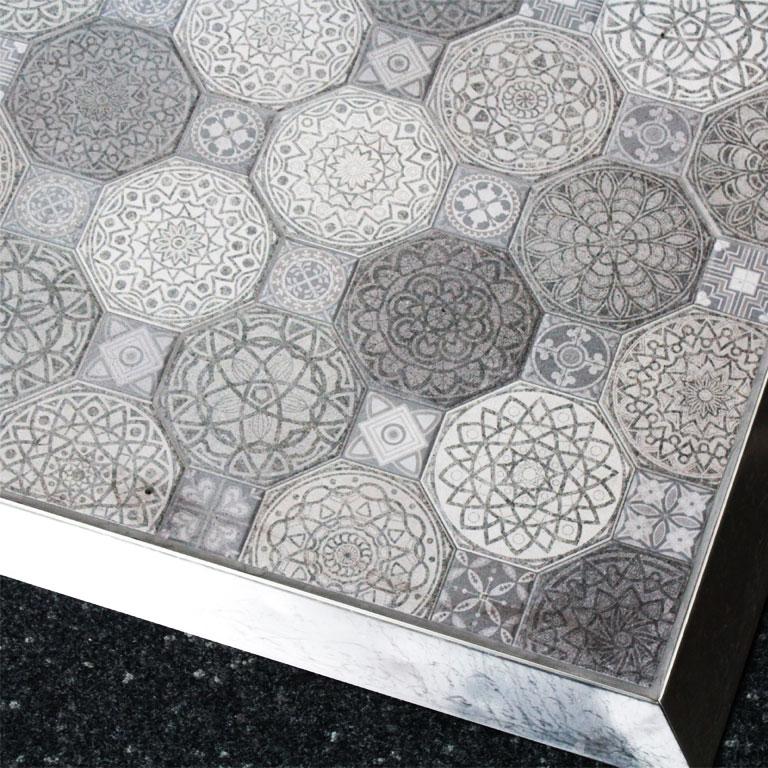 Bodenfläche in unserer Fliesenausstellung in Essen : 8eck Bodenfliesen mit Patchworkmuster