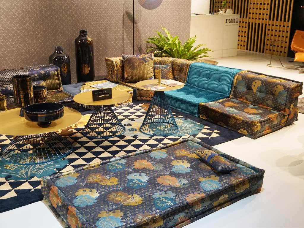 Sofa im Bohemian Style, gesehen auf der IMM in Köln bei der Firma Roche Bobois