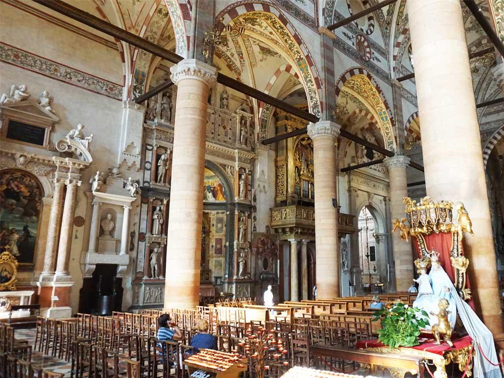 die gotische Kirche Sant Anastasia in Verona
