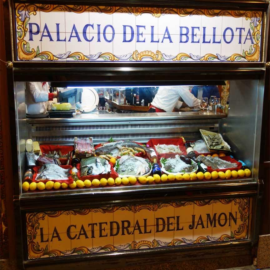 Spanien ist nicht nur für schöne Fliesen bekannt sondern auch für gutes Essen