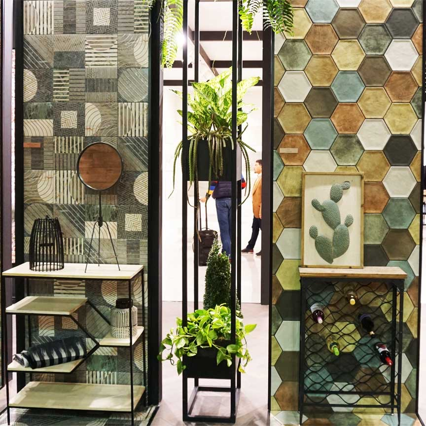 Hexagon-Fliesen und quadratische Wandfliesen waren ein wichtiges Thema auf der CEVISAMA 2019