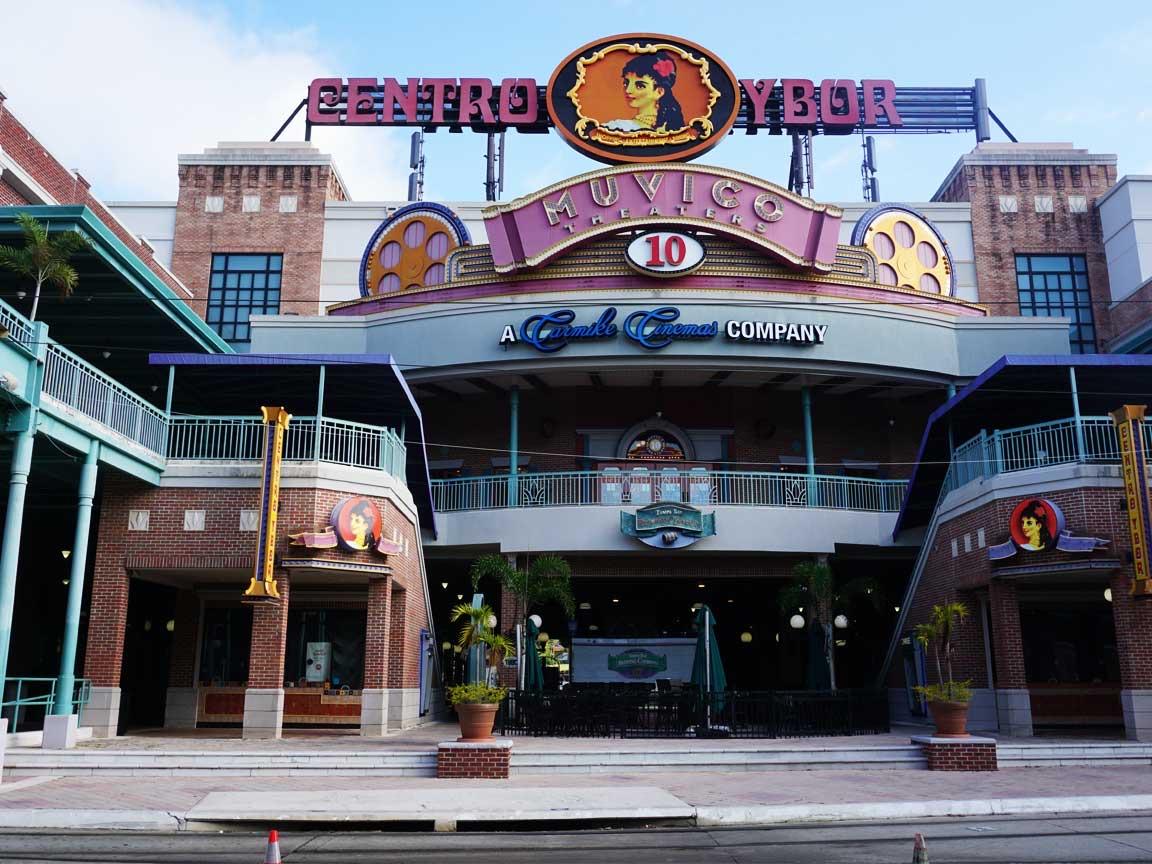 Vor der Coverings2019 hatten wir noch Termine in Tampa am Golf von Mexico. Wir haben natürlich die bekannte Ybor City in Tampa Downtown besucht