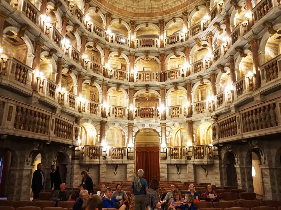 im Teatro  Scientifico Bibiena in Mantua