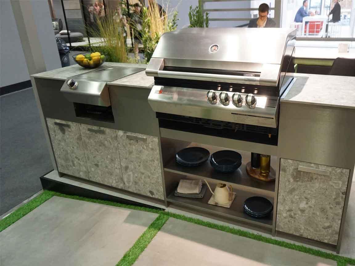 Wir können Ihnen die passenden Fliesen für Ihre Outdoor-Küchenstation anbieten