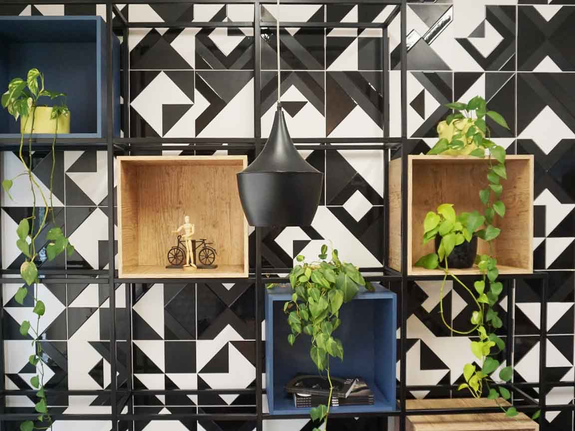Designfliesen von der Firma ELIANE / Decortile im Showroom in Santa Catarina