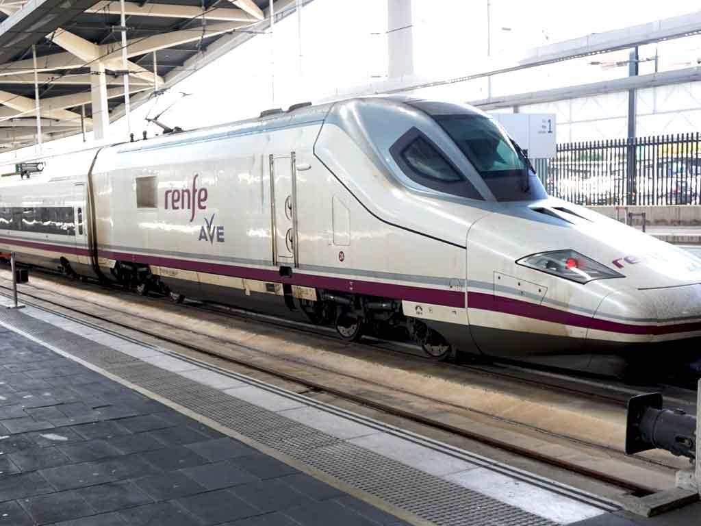Mit dem spanischen Schnellzug AVE ging es von Valencia nach Madrid