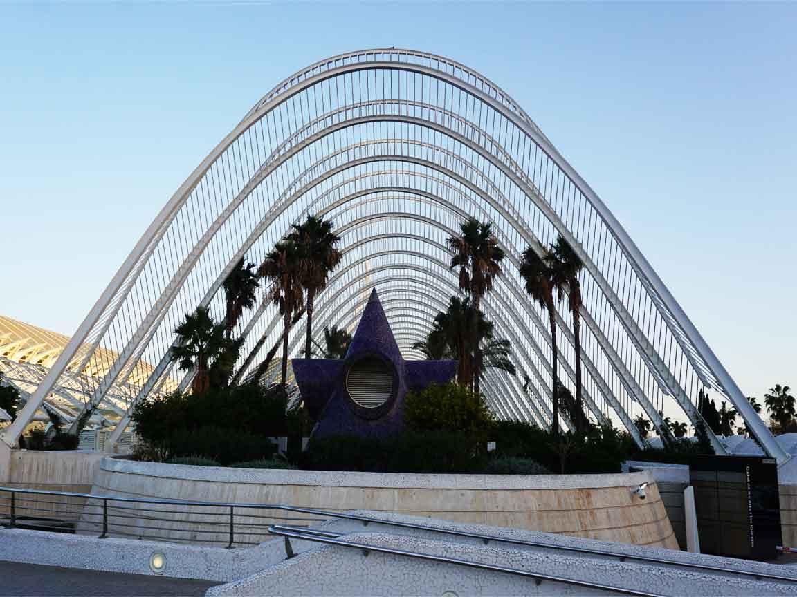 Am Anfang unseres Besuches der Ciudad de las artes y las Ciencias in Valencia/Spanien stand L´Umbracle auf dem Programm