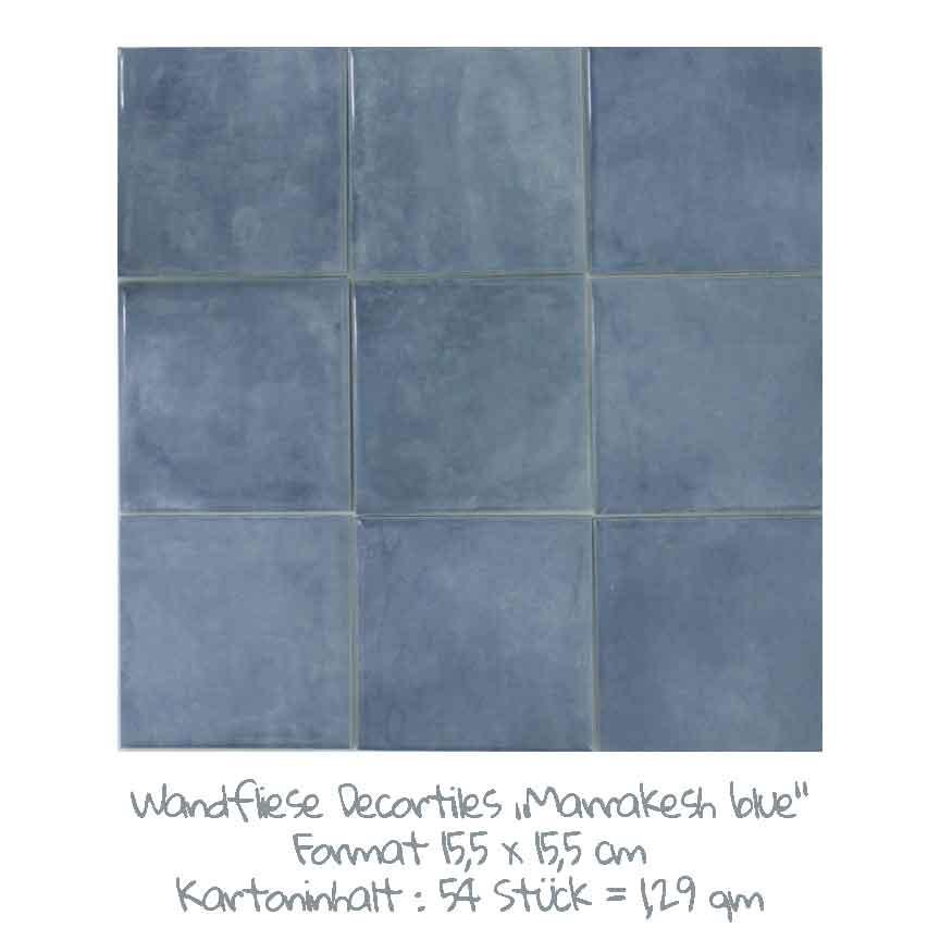 quadratische Wandfliesen mit einem schönen Farbspiel in blau, im Format 15,5x15,5 cm