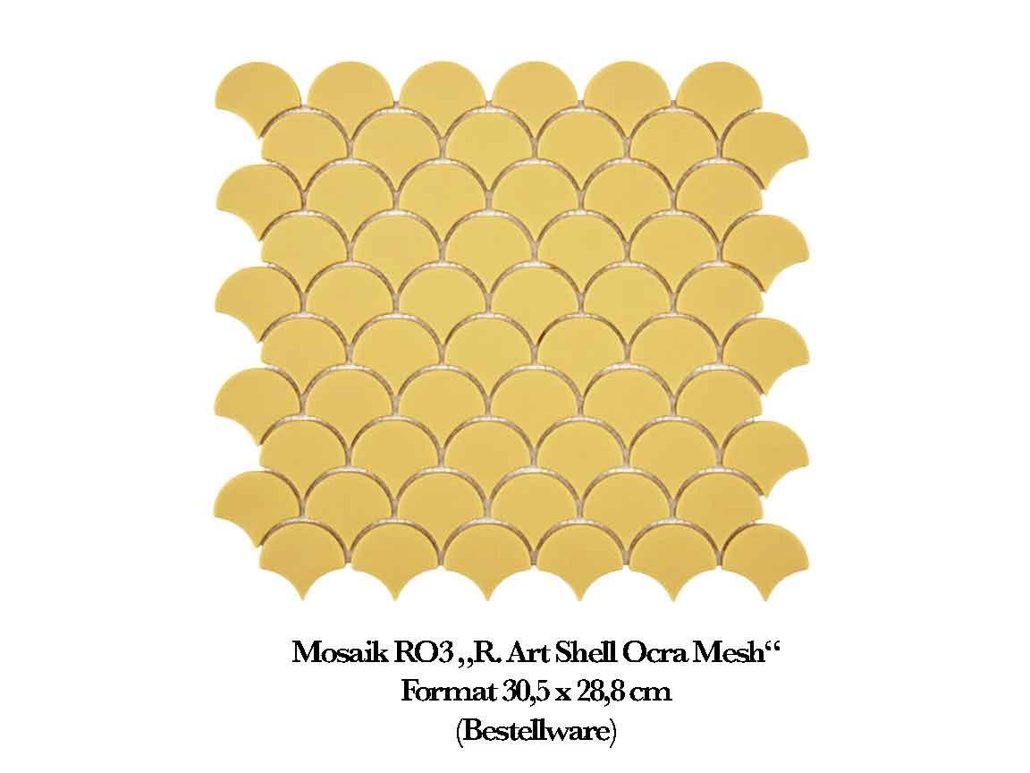gelbes Mosaik in Muschelform im Format 30,5x28,8cm